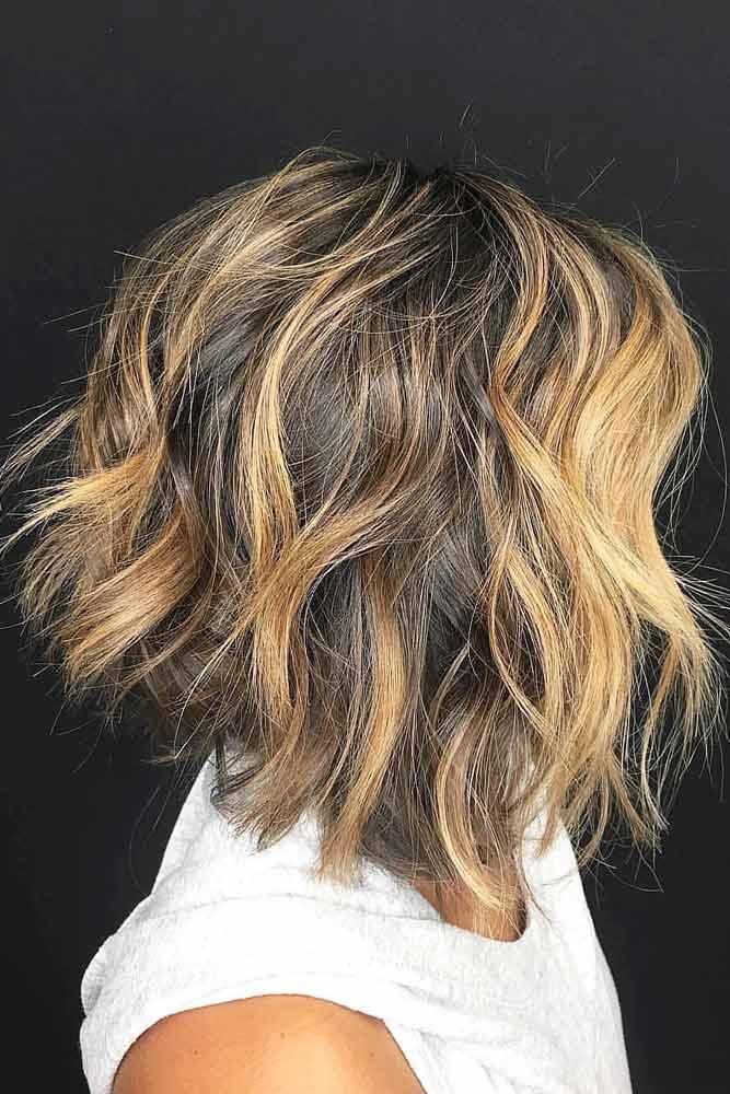 Messy Angled Bob With Waves #layeredbobhairstyles #layeredbob #hairstyles #haircuts