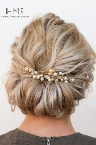 Pretty Updos for Medium Hair pic 1