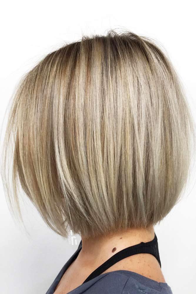 Ravana paž frizura srednje dužine
