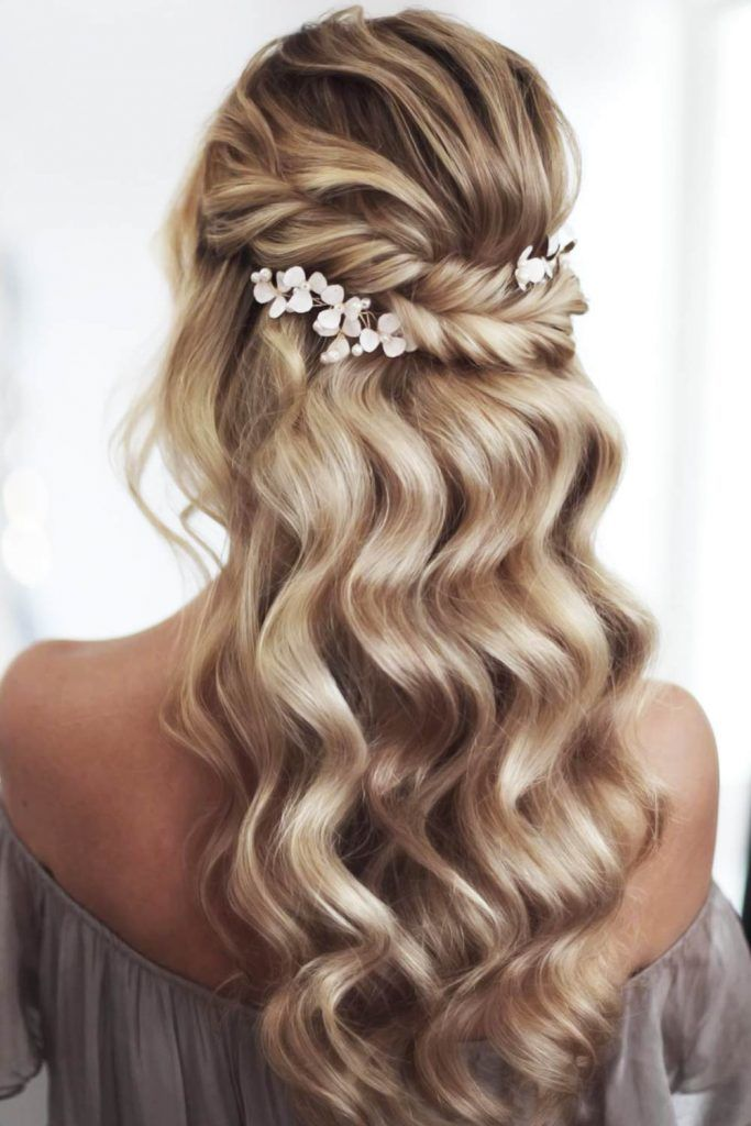 Half-Up Bridesmaid Hair Fishtail Braid Wavy #bridesmaidhair #bridesmaidhair styles