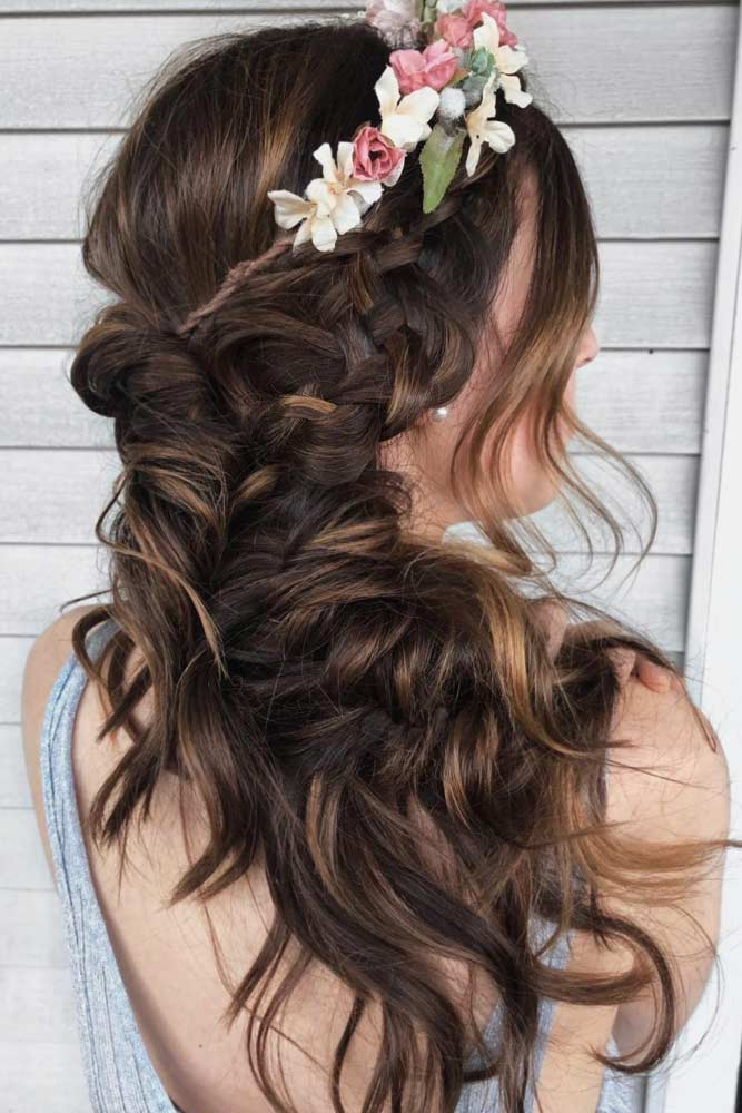 Chic Side Swept Bridesmaid Hairstyles picture 2