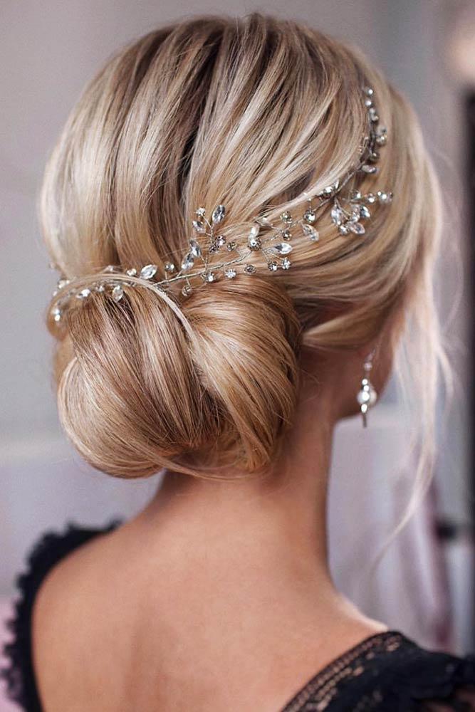 Low Bun Hairstyles Blonde #updo #bun