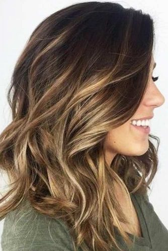 Create Wavy Hairstyle to Look Pretty picture 1