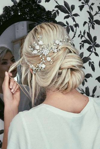Bun Hairstyles for Prom Night picture2