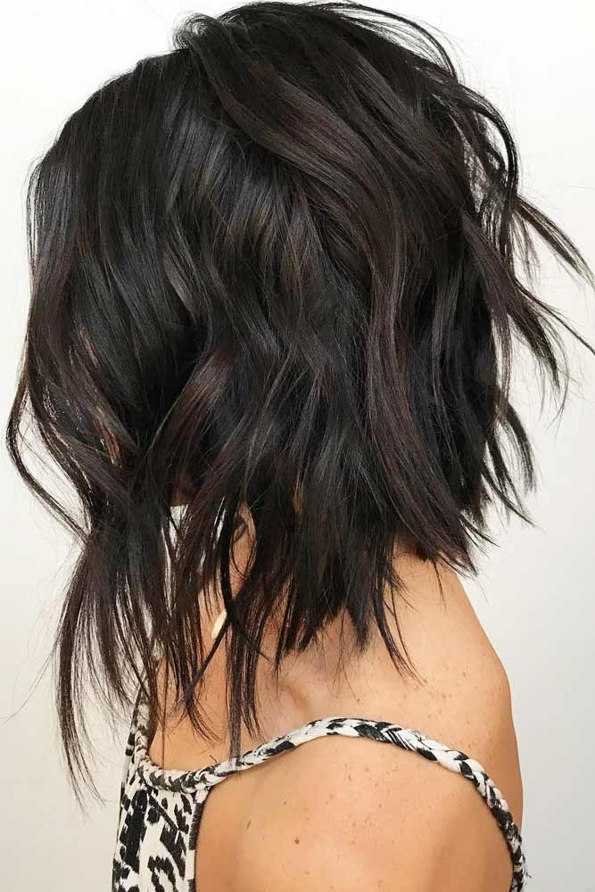 Cute Layered Hairstyles Angled Lob #mediumlengthhairstyles #mediumhair #layeredhair #hairstyles #angledlob