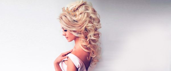 15 Perfect Prom Hairstyles Down to Make You The Queen of the Ball