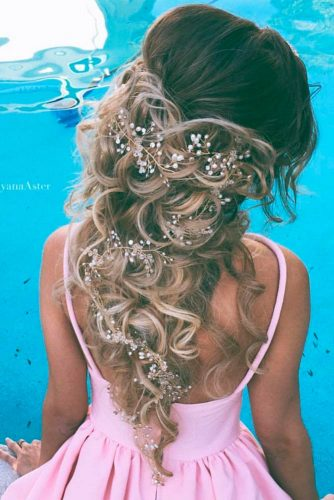 Prom Hairstyles Down with Accessories picture2