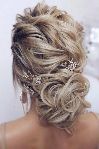 Accessorized Updos For Prom Night #promhairstyles #longhair #hairstyles