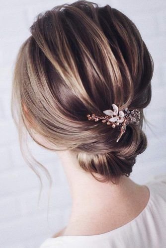Simple Stylish Low Buns Flower #buns #updo #promhair #promhairstyles
