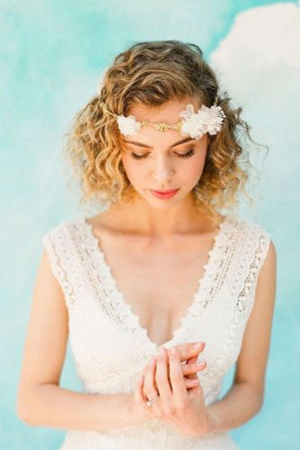 Amazing Short Hair Ideas for Brides picture3