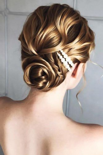 Low Buns With Pearls Wavy #updo #weddinghairstyles