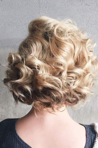 Lovely Curly Hairstyles picture 2