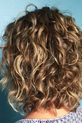 Lovely Curly Hairstyles picture 3
