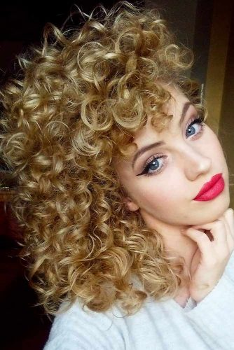Lovely Curly Hairstyles picture 1