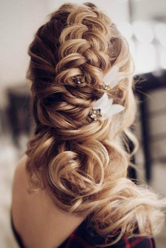Delightfully Ideas for Charming Bridal Look picture 3