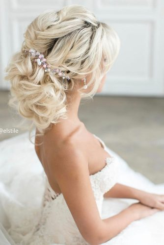Admirable Updo Ideas for Prom picture 2