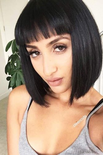 Stunning Ideas of Medium Length Hairstyles with Bangs picture 3