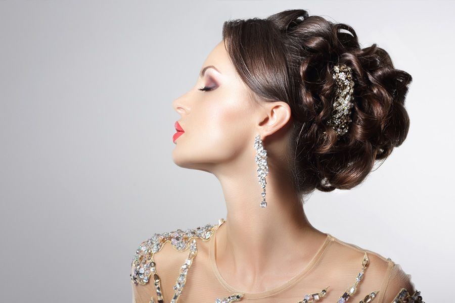 Best Hairstyles for Weddings for Charming Brides