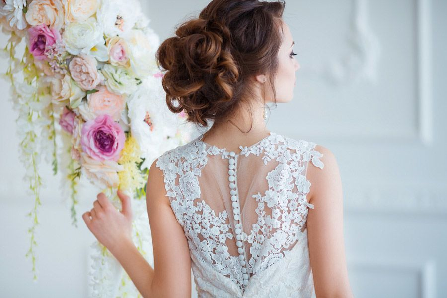 Mind-blowing Wedding Hair Styles for Brides Who Follow Trends