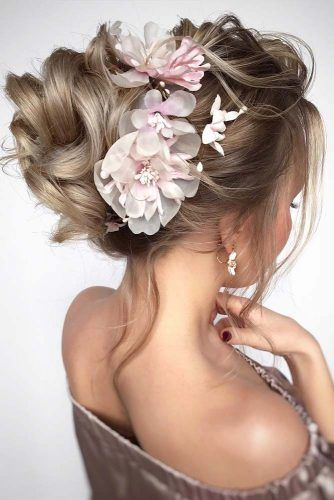 Textured Upstyle With Flowers #updo #mediumhair #hairstyles