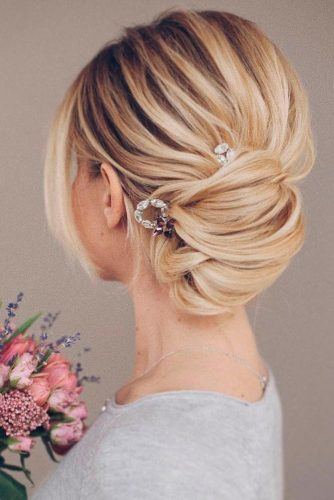 Amazing Hairstyles for Brides with Medium Hair picture1
