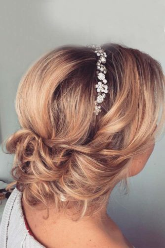 Simple and Chic Wedding Hairstyles picture3
