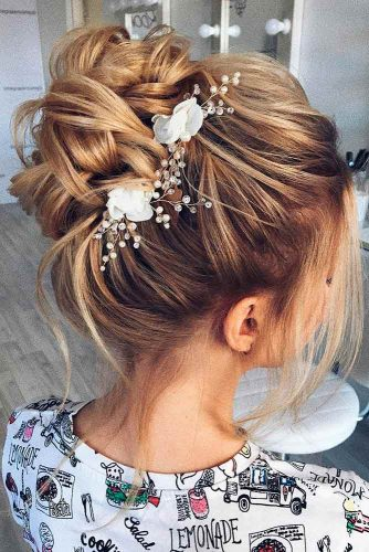 Hairstyles for Braids with Flowers picture3
