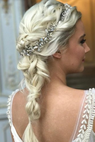 Beautiful Wedding Hairstyles for Medium Hair picture3