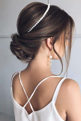 Updo With Headband Pearls #mediumhair #weddinghairstyles