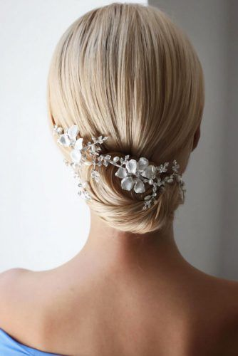 Wedding Hairstyles With Accessories Blonde #mediumhair #weddinghairstyles