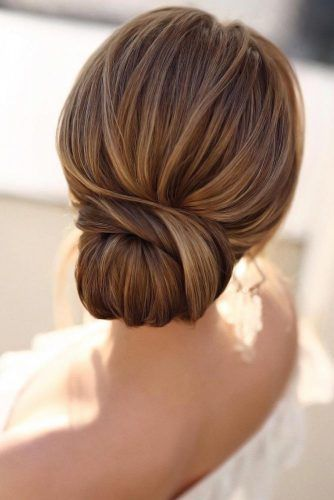 Simple And Chic Wedding Hairstyles #mediumhair Low Bun #weddinghairstyles