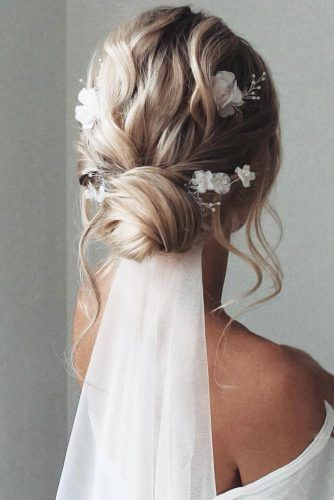 Updo Styles With Veils Blonde #mediumhair #weddinghairstyles