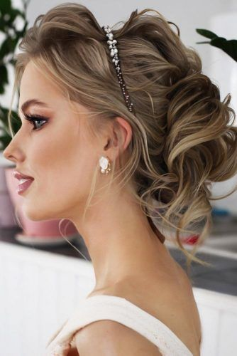 Updo With Headband Messy #mediumhair #weddinghairstyles