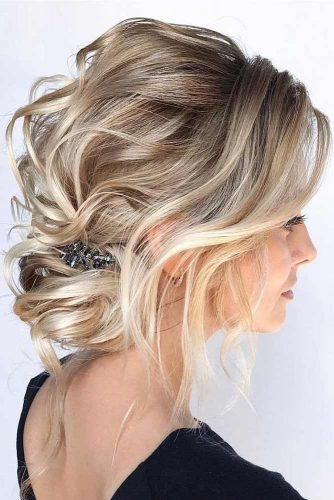 Blonde Voluminous Wedding Hairstyles With Accessories #weddinghairstyles #hairstyles #updohairstyles #accessory