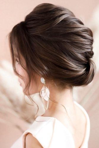 Simple And Chic Wedding Hairstyles Twist #mediumhair #weddinghairstyles