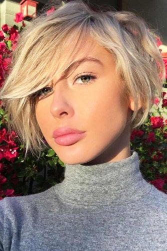 Trendy Short Hairstyles with Bangs picture 2