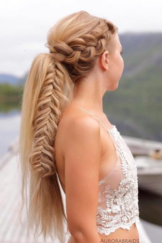 Easy and Chic Ponytail Styles picture1