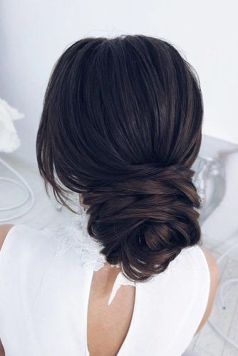 Hairstyles That Match Your High Neckline Gown Dress #updo #bun