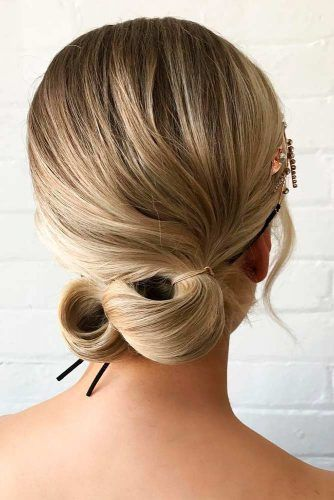 Elegant Updo On Medium Hair #updo #ponytails