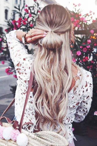 Naturally Wavy Hairstyles for Your Vacation picture 1