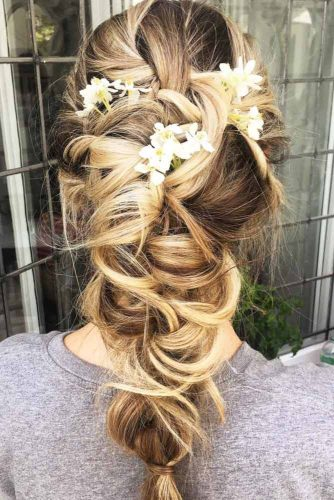 Summer Hairstyles with Flowers picture 2