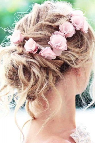 Summer Hairstyles with Flowers picture 1
