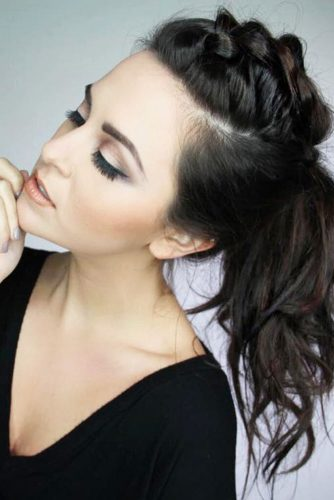 Middle Messy Ponytail Hairstyles picture 3