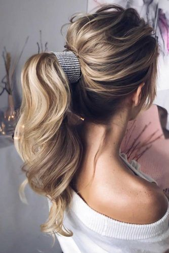 High Messy Ponytails With Accessories Waves #ponytails #updo