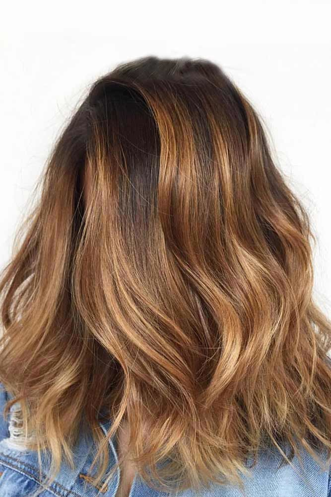 Side Parted Wavy Shoulder Length Layered Haircuts #shoulderlengthlayeredhair #shoulderlengthhairstyle #layeredhair