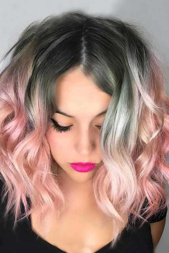 Wavy Middle Parted Layered Haircuts #shoulderlengthlayeredhair #shoulderlengthhairstyle #layeredhair