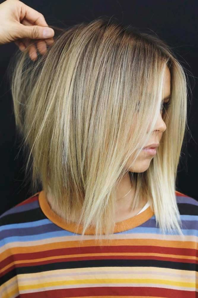Blonde Middle Parted Layered Haircuts #shoulderlengthlayeredhair #shoulderlengthhairstyle #layeredhair