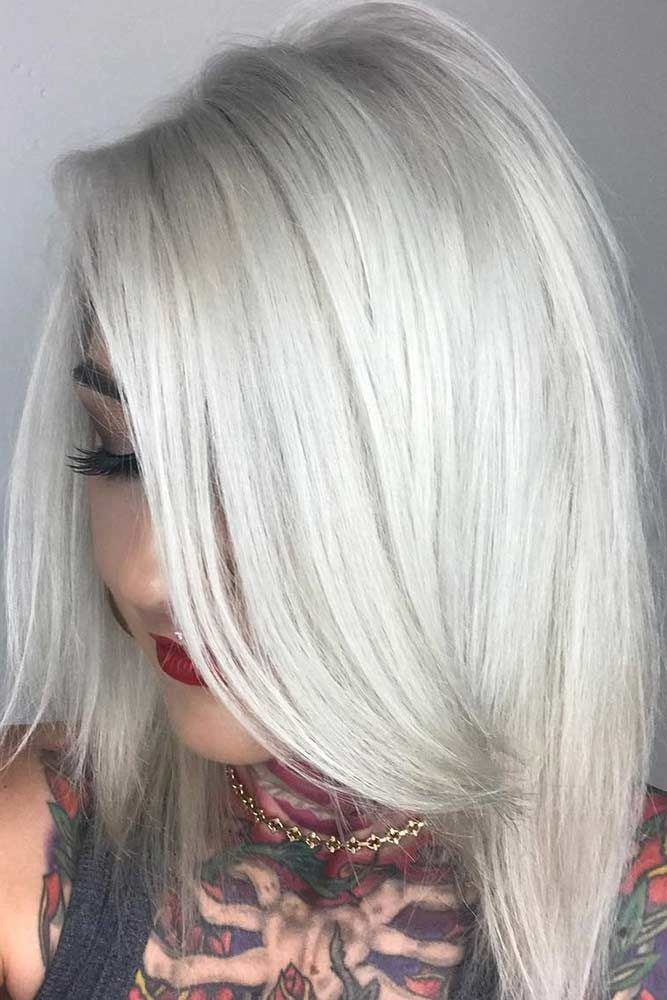 Icy Blonde Straight Shoulder Length Layered Haircuts #shoulderlengthlayeredhair #shoulderlengthhairstyle #layeredhair