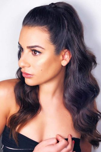 Sleek Ponytail Looks Bunette #ponytail #half-up #brunette