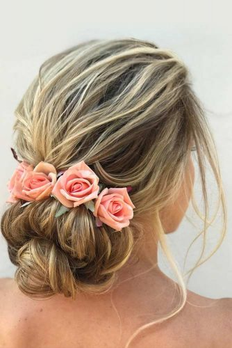 Add Some Flowers to Your Hairdos picture2